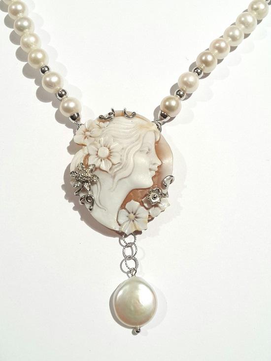 Collana perle coltivate con cammeo