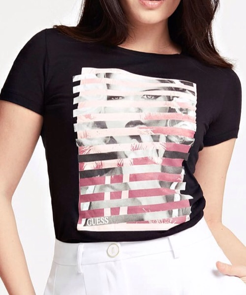 T-SHIRT Stampa Piazzata Guess