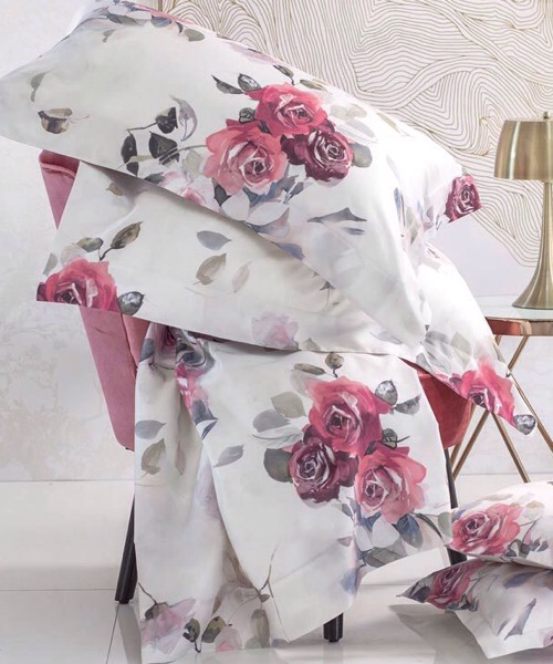 Completo lenzuola matrimoniale Venere rubino in raso di puro cotonedi Blumarine