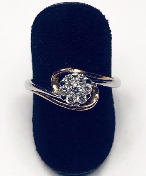 Anello Fiore in oro bianco 18 kt e diamanti Govoni Gioielli