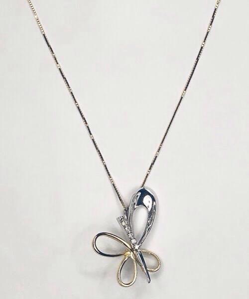 Collier farfalla in oro bianco 18 kt e pendente di diamanti